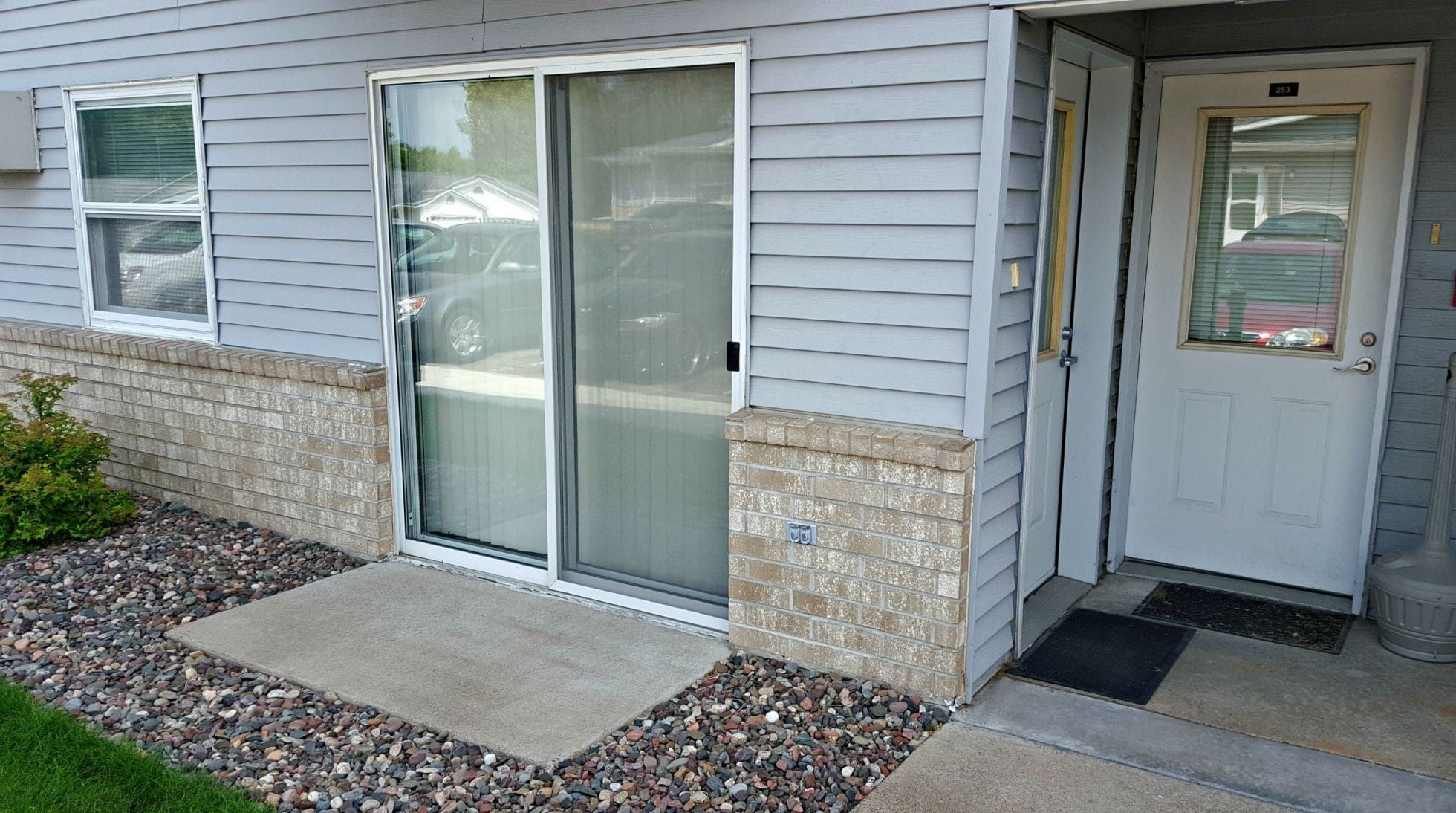 Pinedale apartments and red cedar townhomes menomonie wi - One bedroom apartments menomonie wi ...
